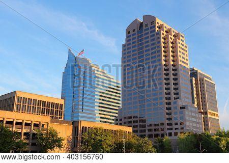 Sacramento, Usa - April 10, 2014: Urban View Of Capitol Mall Street. Sacramento Is The Capital City