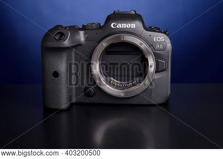 St. Petersburg, Russia - January 9, 2021: When Camera Canon Eos R6 Is Turned Off, Shutter Closes To