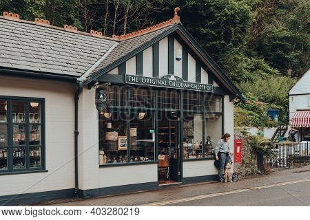 Cheddar, Uk - July 26, 2020: Exterior Of The Original Cheddar Cheese Co Shop In Cheddar, A Village F
