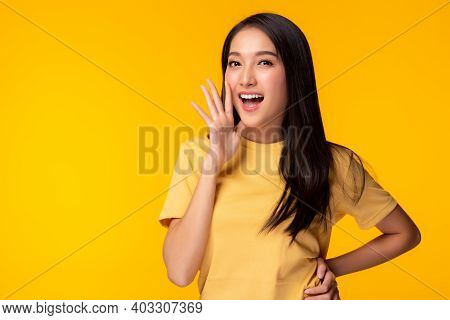 Surprised Happy Beauty Asian Woman Look At Camera In Excitement Expressive Facial Expressions Presen