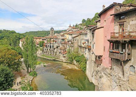 Pont-en-royons Village Ion The River Bourne N France