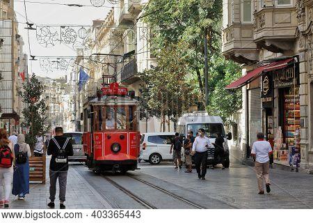 Istanbul, Turkey - October 07, 2020. Heritage Tram On The Istiklal Avenue, On The Taksim-tunel Nosta