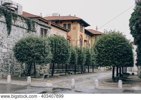 Como, Lombardy Region, Italy - January 14, 2021 : Walking Ancient Streets Cityview With Historical B