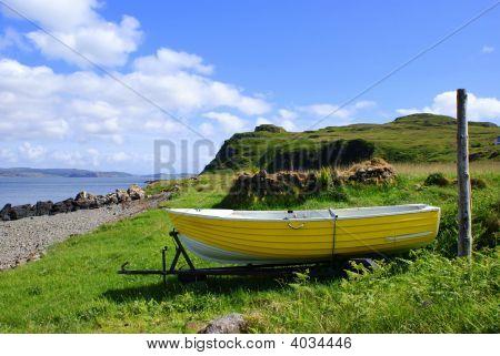 Yellow_Boat