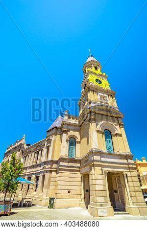 Fremantle, Western Australia - Jan 2, 2018: Fremantle Town Hall Is A Town Hall Situated On Corner Of