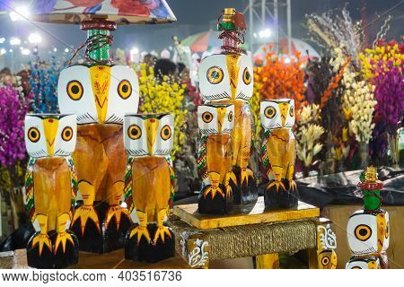 Kolkata, West Bengal, India - 31st December 2018 : Wooden Owls, Artworks Of Handicraft, On Display D