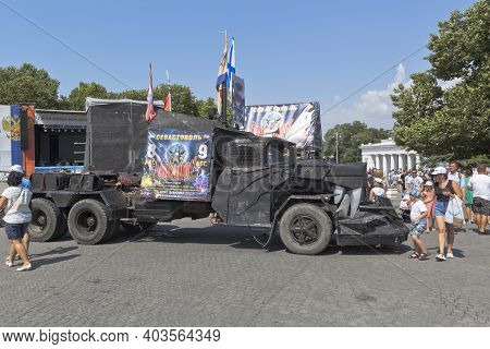 Sevastopol, Crimea, Russia - July 26, 2020: Mad Max Car With Advertising Of The Show Collapse Of Bab