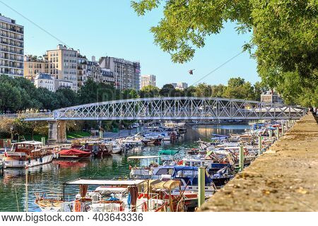 Paris, France - August 30, 2019: This Is Part Of The Saint Martin Canal, Known As The Arsenal Basin,