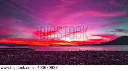 Majestic Summer Sunset Or Sunrise Sky Over The Sea, Dramatic Sky Amazing Light Of Nature Landscape.