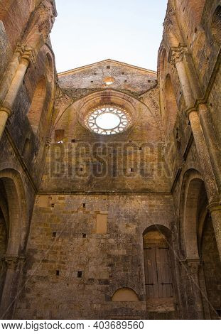 Chiusdino, Italy - 7th September 2020. The Large Circular Rose Window In The Remains Of The Roofless