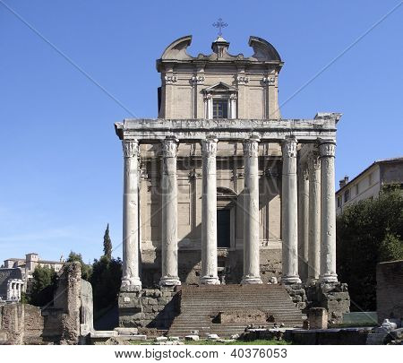 Temple Of Antonius Pius And Faustina Frontal