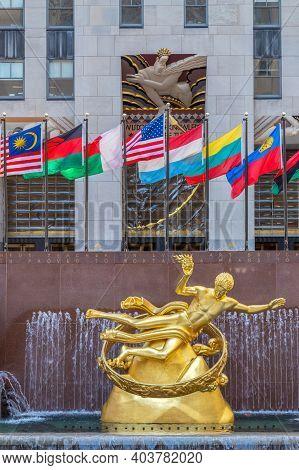 New York, Usa - March 7, 2020: The Prometheus Statue In The Rockefeller Plaza. Rockefeller Center Is