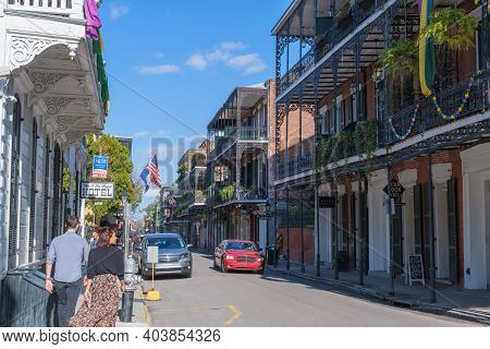 New Orleans, La - January 14: Tourists, Traffic And Historic Buildings Along 900 Block Of Royal Stre