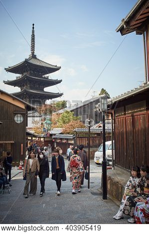 Kyoto, Japan - November 4, 2017: Yasaka Pagoda Of Hokanji Temple Landmark In The Higashiyama Distric