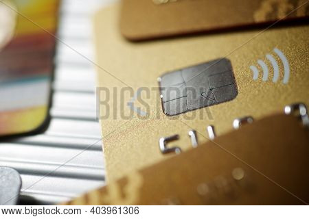 Electronic chip in a credit card view.