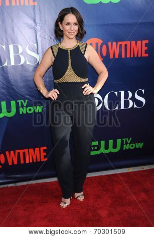 LOS ANGELES - JUL 17:  Jennifer Love Hewitt arrives to the CBS-CW-Showtime Summer TCA Press Tour 2014  on July7, 2014 in West Hollywood, CA.
