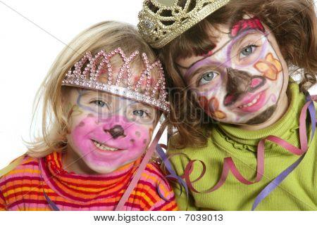 党小两姐妹与绘张快乐的脸