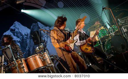 Ismo Alanko & Teho-osasto  live  on stage
