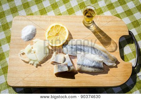 Fillet herring with onion and lemon