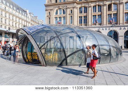 PARIS - AUGUST 05: entrance at Gare St. Lazare with unidentified people on August 05, 2014 in Paris. Its one of the 6 large terminus railway stations of Paris and 2nd busiest rail station in Europe