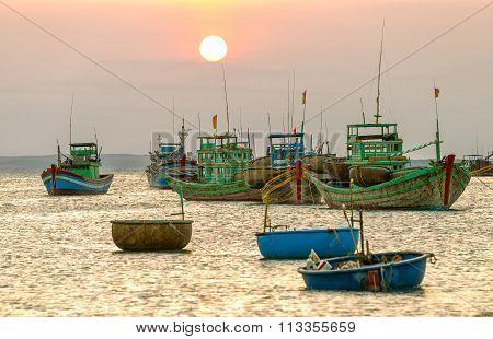 Boating sun sunset side