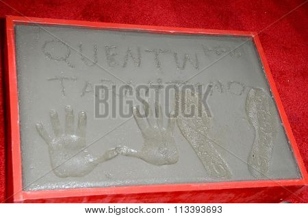 LOS ANGELES - JAN 5:  Quentin Tarantino Hand and Footprints at the Quentin Tarantino Hand & Footprints Ceremony at the TCL Chinese Theater IMAX on January 5, 2016 in Los Angeles, CA