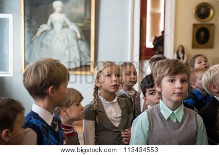 Children On Tour In The National Museum Of Russian Art