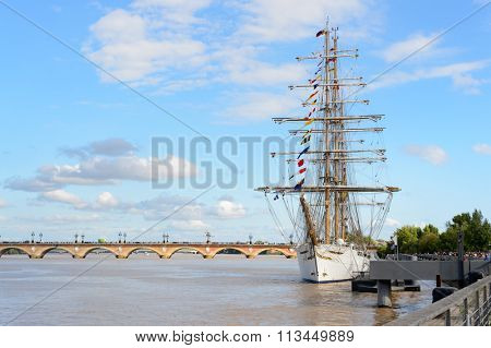 BORDEAUX, FRANCE - AUGUST 13, 2015: view on Garonne River. Bordeaux is a port city on the Garonne River in the Gironde department in southwestern France.