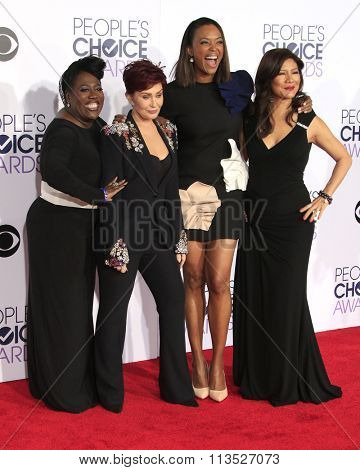 LOS ANGELES - JAN 6:  Sheryl Underwood, Sharon Osbourne, Aisha Tyler, Julie Chen at the Peoples Choice Awards 2016 - Arrivals at the Microsoft Theatre L.A. Live on January 6, 2016 in Los Angeles, CA