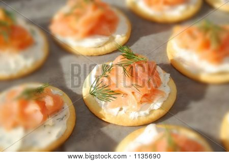 Smoked Salmon, Cream Cheese, And Dill Crackers