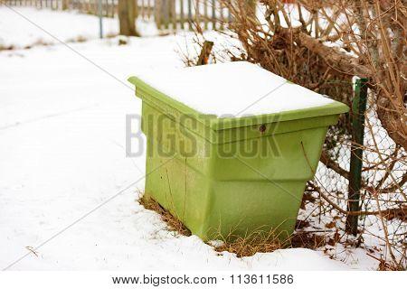 Green Sand Bin