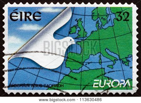 Postage Stamp Ireland 1995 Stylized Dove And Map Of Europe