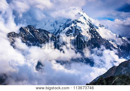 Dykh-tau, 5,204 M - The Second Highest Mountain In Russia
