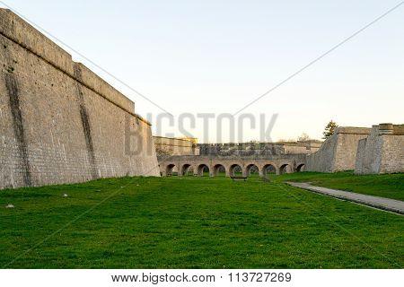 Walking Between Walls