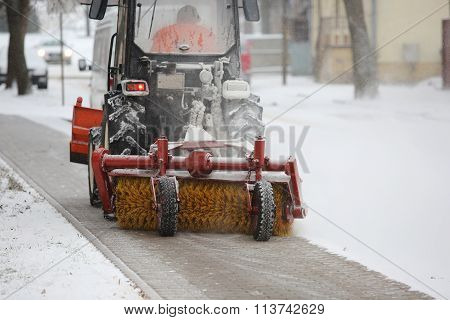 Machine For Snow Removal