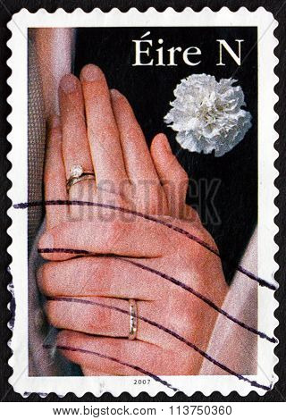 Postage Stamp Ireland 2007 Hands With Wedding Rings