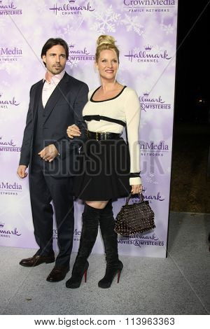 LOS ANGELES - JAN 8:  Nicollette Sheridan, guest at the Hallmark Winter 2016 TCA Party at the Tournament House on January 8, 2016 in Pasadena, CA