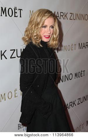 LOS ANGELES - JAN 7:  Donna Mills at the Mark Zunino Atelier Opening at the Mark Zunino Atelier Boutique on January 7, 2016 in Beverly Hills, CA