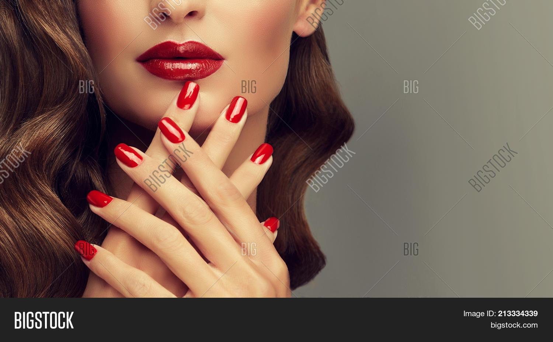Beautiful Girl Showing Image & Photo (Free Trial) | Bigstock