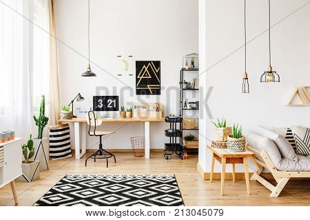 Geometric Carpet In Multifuncional Workspace