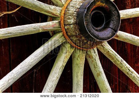 Rustic Wagon Wheel