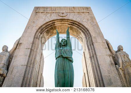 Gigantic War Memorial