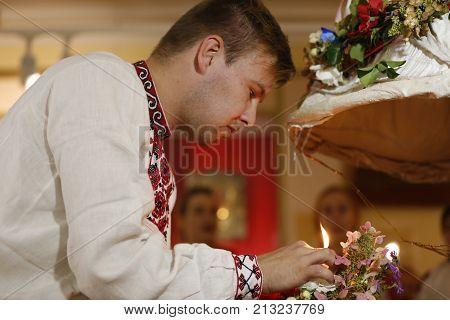 Belarus, Gomel, Folk Museum, 26.11.2016 Year. Rite Vintage Wedding. The Man In National Costume Igni