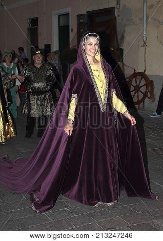 Finale Ligure Italia - Agosto 25 2017 : Viaggio nel Medioevo ,sfilata medievale all'interno del Borgo Antico di Finale Ligure. Tutti gli anni,per tre giorni,il borgo ritorna indietro nel tempo.
