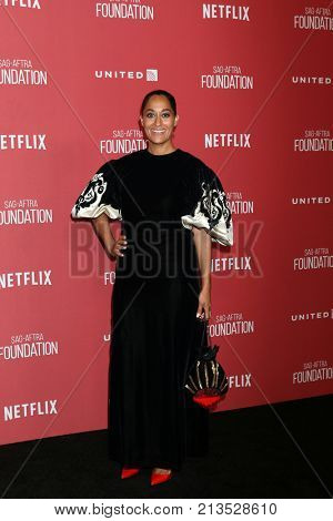 LOS ANGELES - NOV 9:  Tracee Ellis Ross at the Patron of the Artists Awards 2017 at Wallis Annenberg Centeron November 9, 2017 in Beverly Hills, CA