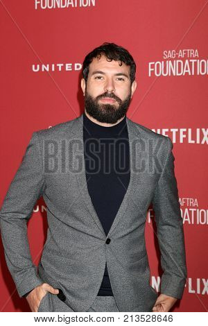 LOS ANGELES - NOV 9:  Tom Cullen at the Patron of the Artists Awards 2017 at Wallis Annenberg Centeron November 9, 2017 in Beverly Hills, CA