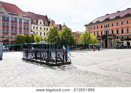 People On Square Plac Solny In Wroclaw City