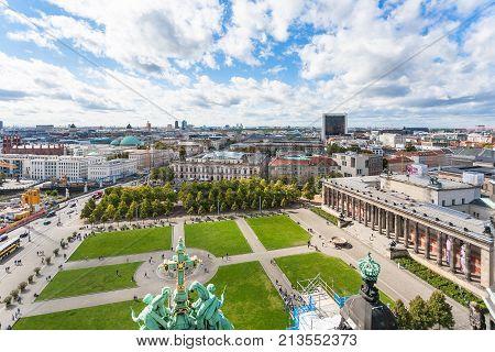 Lustgarten Park And Altes Museum In Berlin