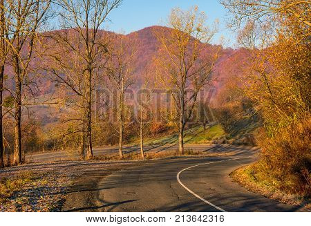 Turnaround On Serpentine In Mountains