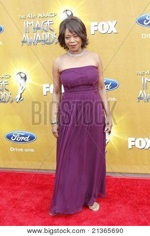 LOS ANGELES - FEB 26: Alfe Woodard  arriving at the 41st NAACP Image Awards - held at the Shrine Auditorium in Los Angeles, California on February 26, 2010